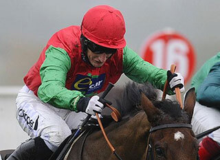Daryl Jacob riding Dodging Bullets